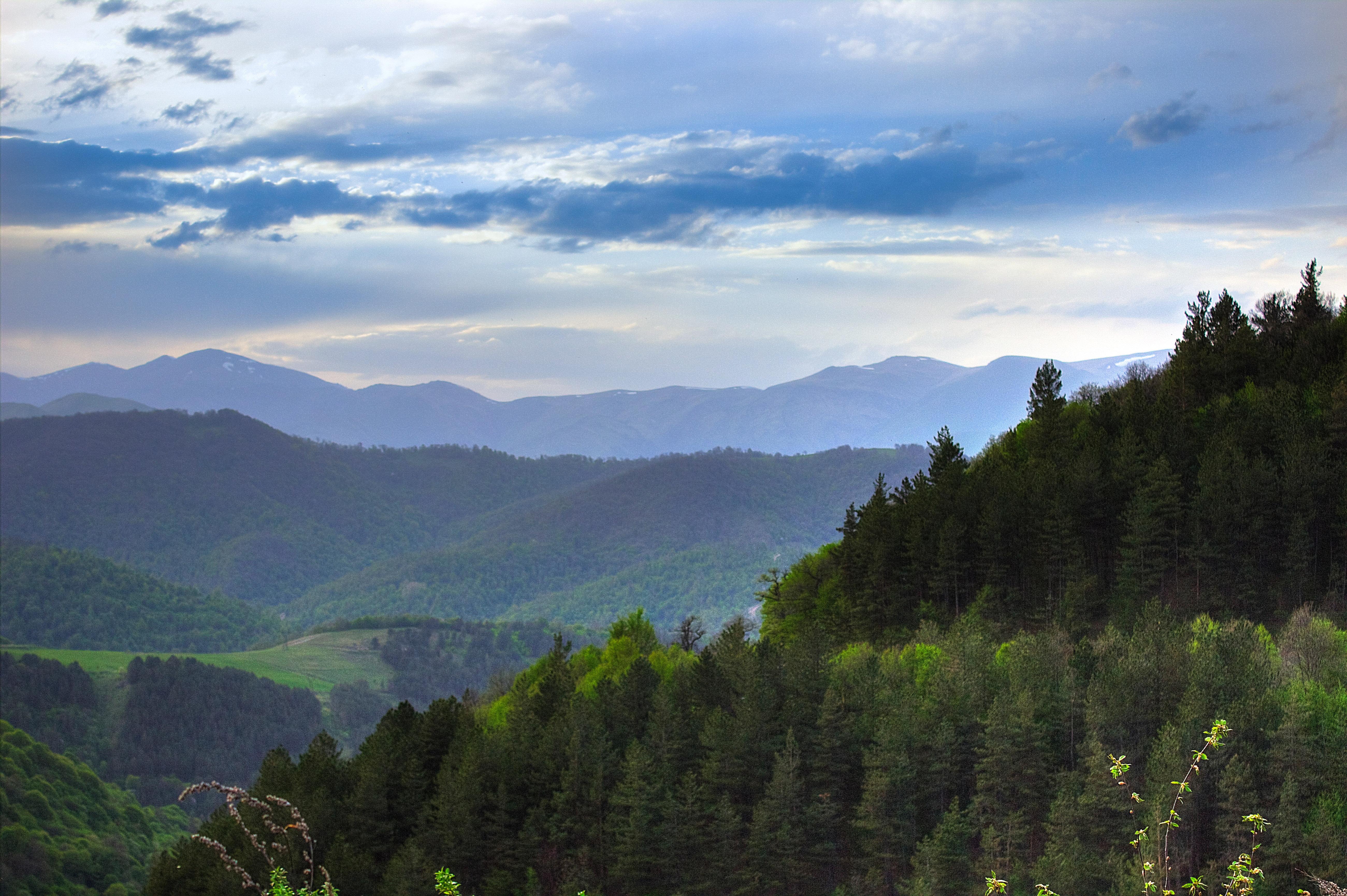 montagnes paysage randonnee armenie